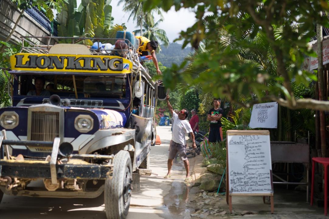 Jeepney returning from Roxas